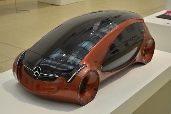 Fogarasi-Benkő László: Mercedes-Benz formaterve (Fotó: Impress Magazin / Győri Kati)