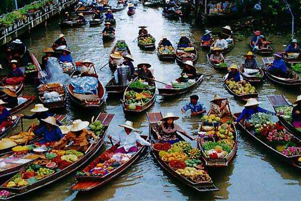 damnoen thai market