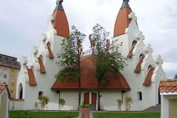 Csíkszereda Makovecz templom
