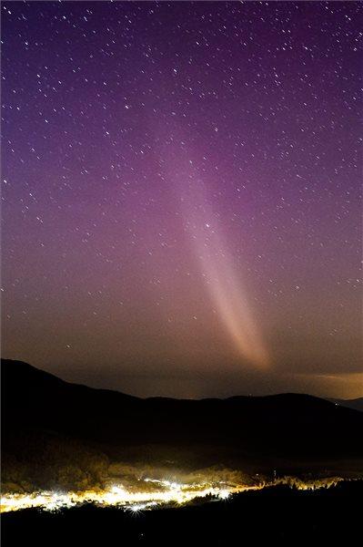 Sarki fény - Salgótarján közelében (Fotó: MTI- Komka Péter)