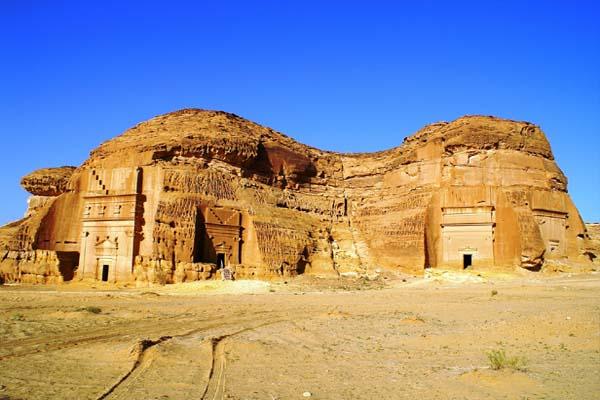 A Madáin Szálih metropolisz egy ősi civilizáció emlékét őrzi a homoksivatagban.