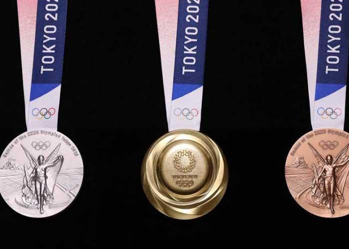 Tokiói olimpia újrahaszosított olimpiai érmek