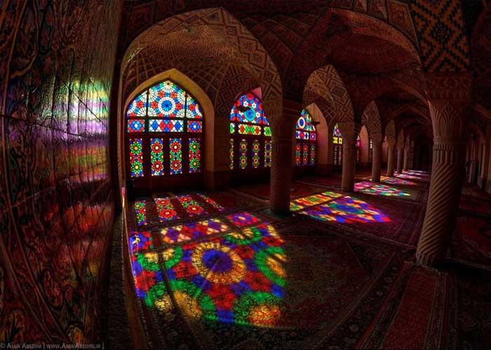 Az iráni Rózsaszín mecset – megelevenedik az ezeregy éjszaka mesés világa