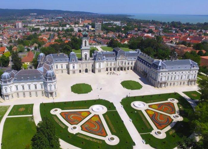 Festetics-kastély, Keszthely magyar kastélyok)