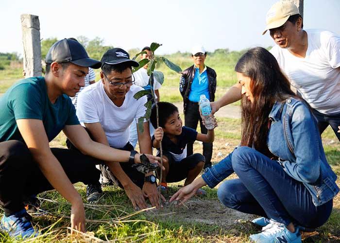 Minden végzős diáknak 10 fát el kell ültetnie – új törvény a Fülöp-szigeteken