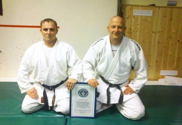 A legtöbb harcművészeti dobás, magyar Guinness rekord