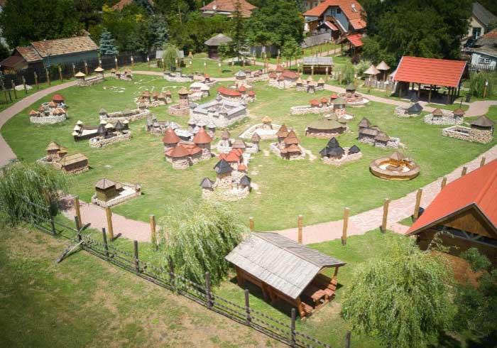 A világ legnagyobb Vármakett parkja, magyar Guinness rekord