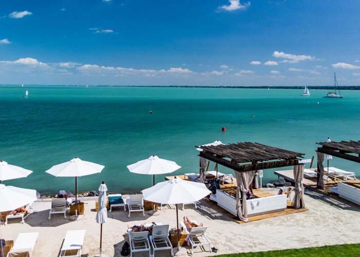 "Tihany exkluzív ""luxus beach"", homokos strand"