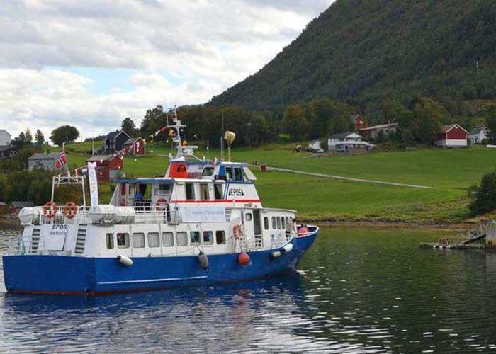 Úszó hajókönyvtár Svédországban