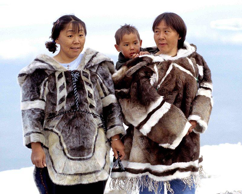 Inuit eszkimó szülők