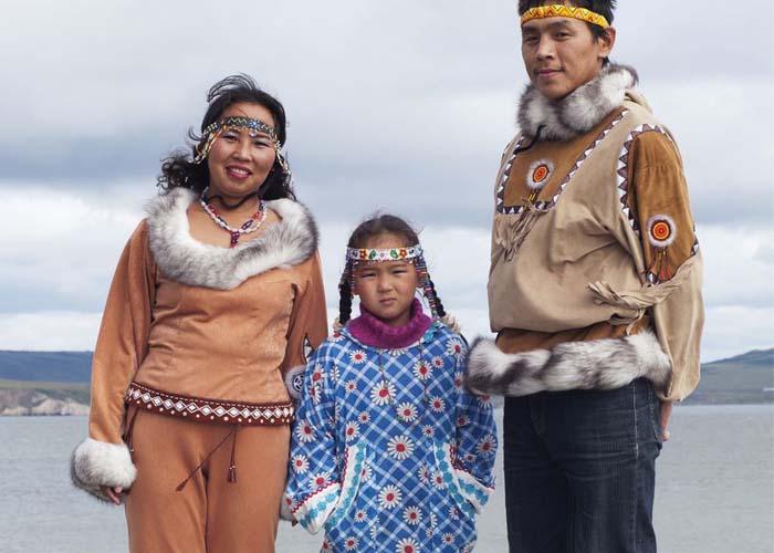 Inuit eszkimó szülők, Kanada
