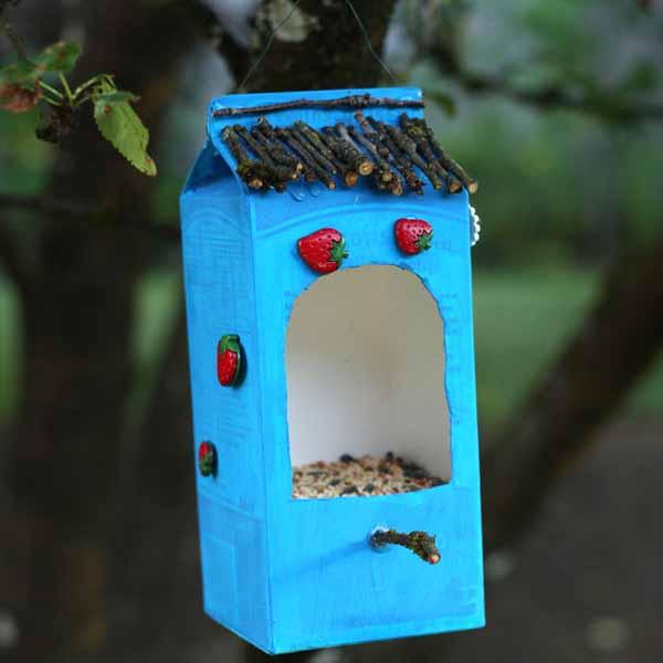 Kreatív madáretetők