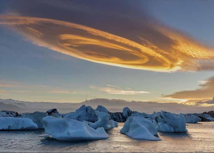 Spirálfelhő Izlandon egy jéglagúna felett