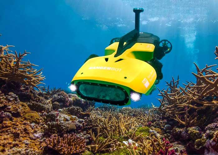 Robotok korall lárvákat telepítenek a Nagy-korallzátonynál