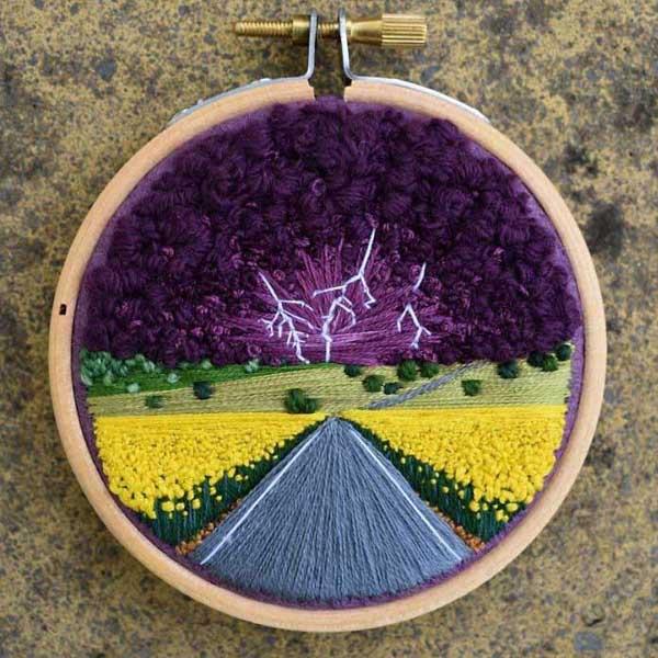 depresszió ellen kreatív alkotás /hímzett tájképek