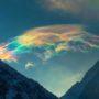 színes szivárvány felhők